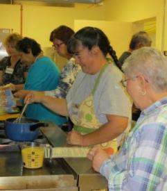Image of participants preparing healthy meal